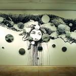 Justaposição Polar o Mar Torto | 2009 | 300x800 cm | telas redondas tamanhos variados, em esmalte sintetico, óleo e guache s/parede