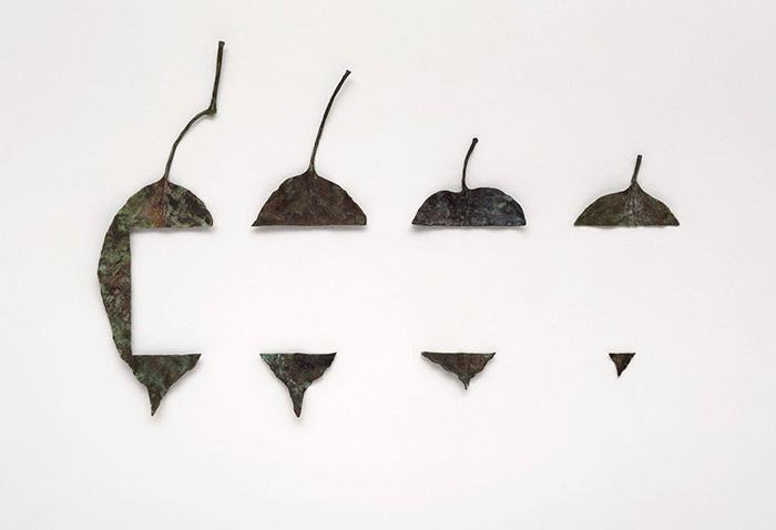 """""""El Encuentro de dos Mundos"""", 2013, patinated bronze, 38x19 cm approx."""