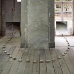 Sem título, instalação, pedras espelho foto, 2010