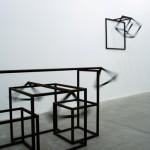 """""""Chão, parede e gente"""" (vista da exposição) - 2010"""