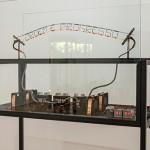 'Order and progress', 2015, transformer, timer, thermostat wire and iron, 160 x 100 x 100 cm, unique edition, photo Mauro Grisolli